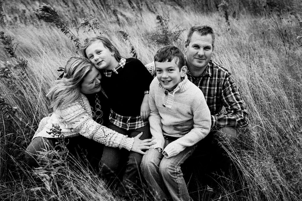 nachusa_grasslands_Franklin_Grove_IL_family_portrait_photographer_0002.jpg