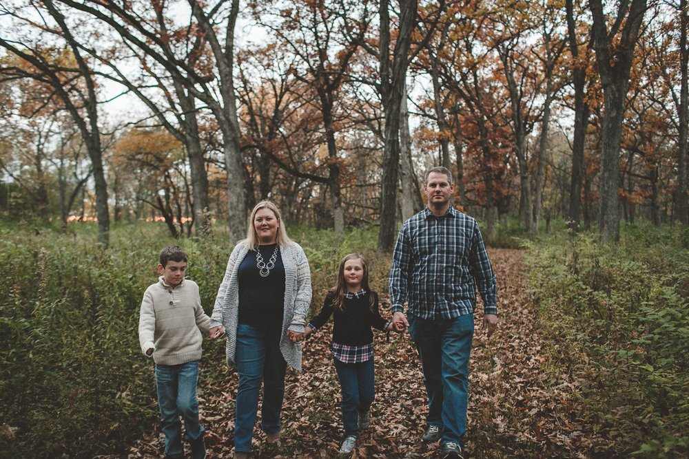 nachusa_grasslands_Franklin_Grove_IL_family_portrait_photographer_0036.jpg