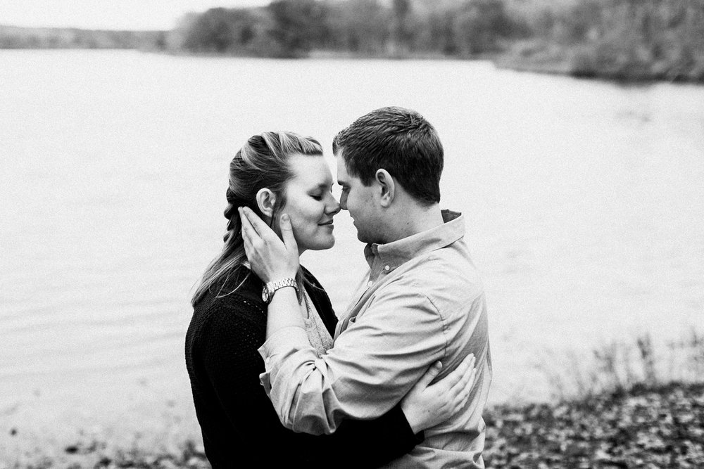 rock_cut_state_park_rockford_IL_engagement_photographer_0012.jpg