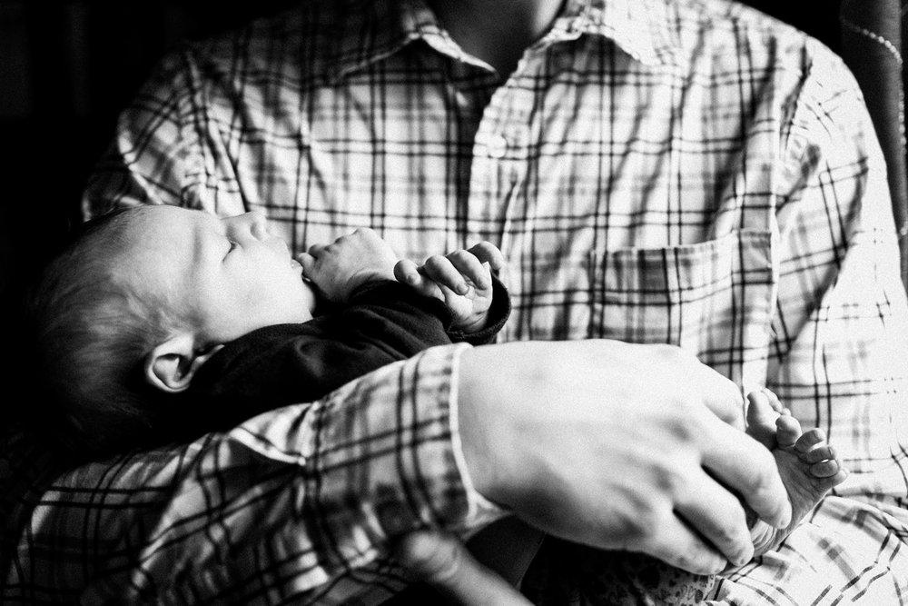 dekalb_IL_inhome_newborn_photographer_0007.jpg