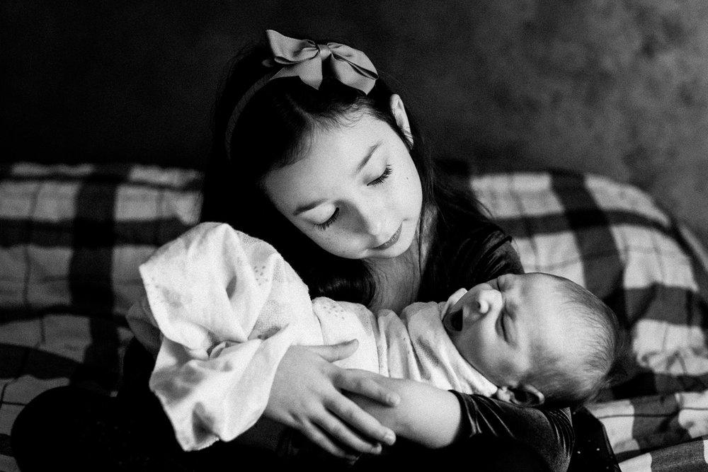dekalb_IL_inhome_newborn_photographer_0013.jpg