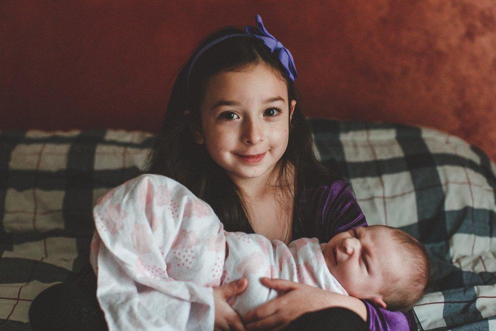 dekalb_IL_inhome_newborn_photographer_0014.jpg