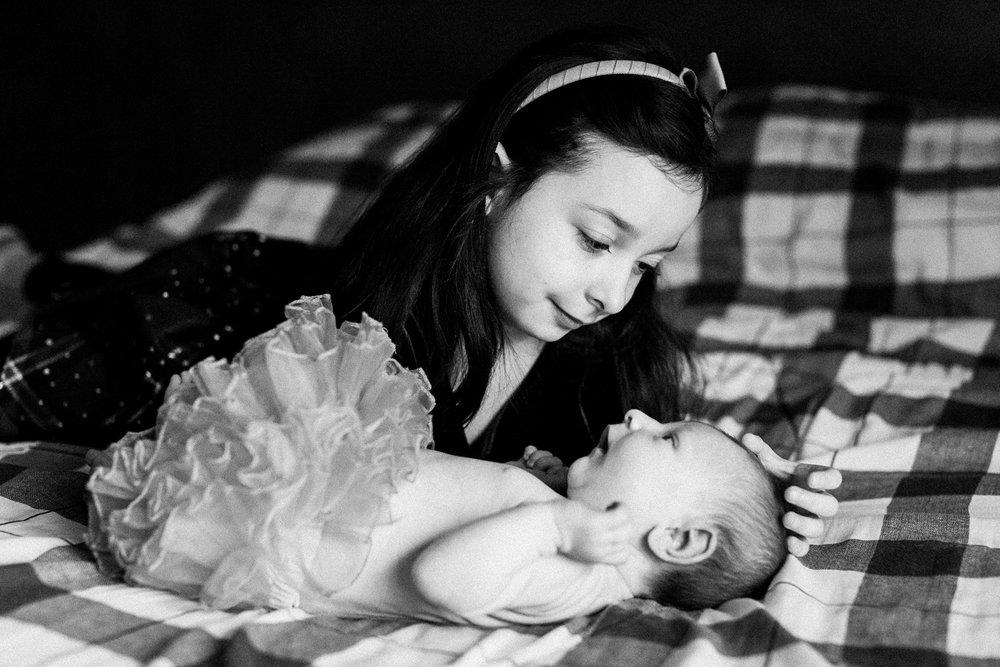 dekalb_IL_inhome_newborn_photographer_0024.jpg