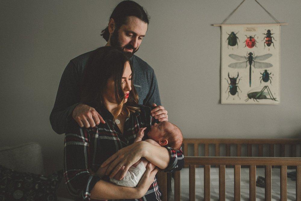 dekalb_sycamore_IL_inhome_newborn_family_photographer_0013.jpg