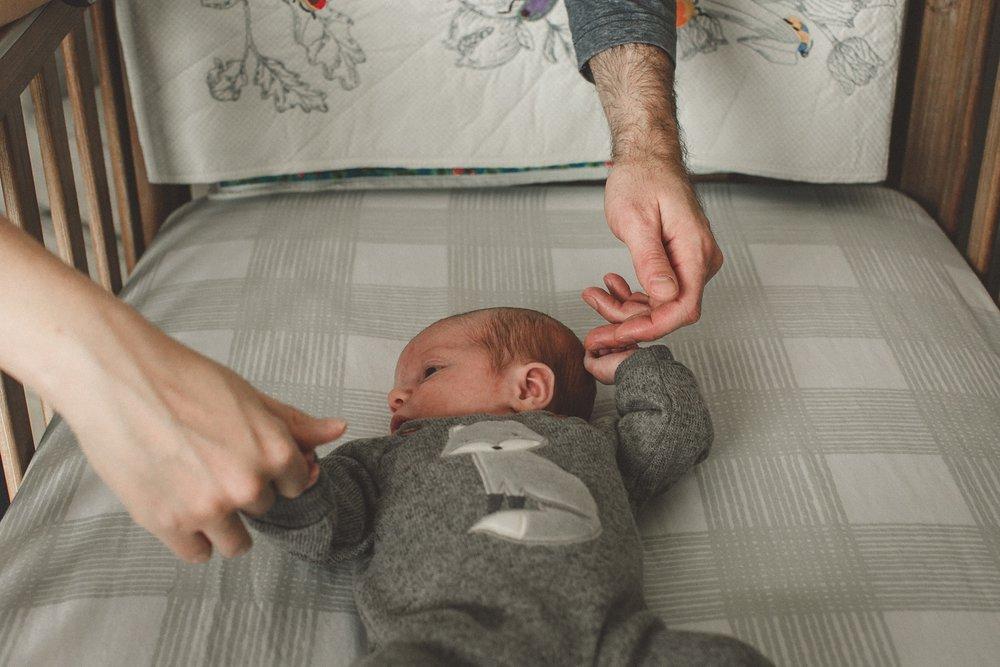 dekalb_sycamore_IL_inhome_newborn_family_photographer_0026.jpg