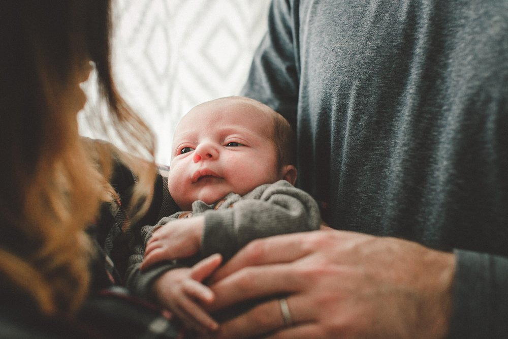 dekalb_sycamore_IL_inhome_newborn_family_photographer_0033.jpg