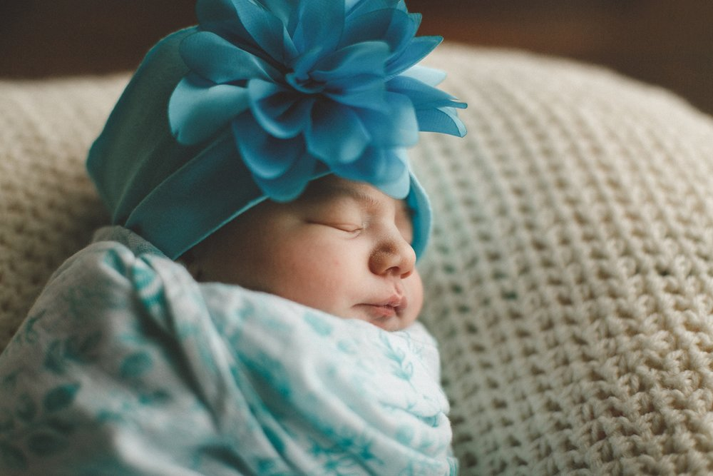 dekalb_IL_newborn_photographer_0027.jpg