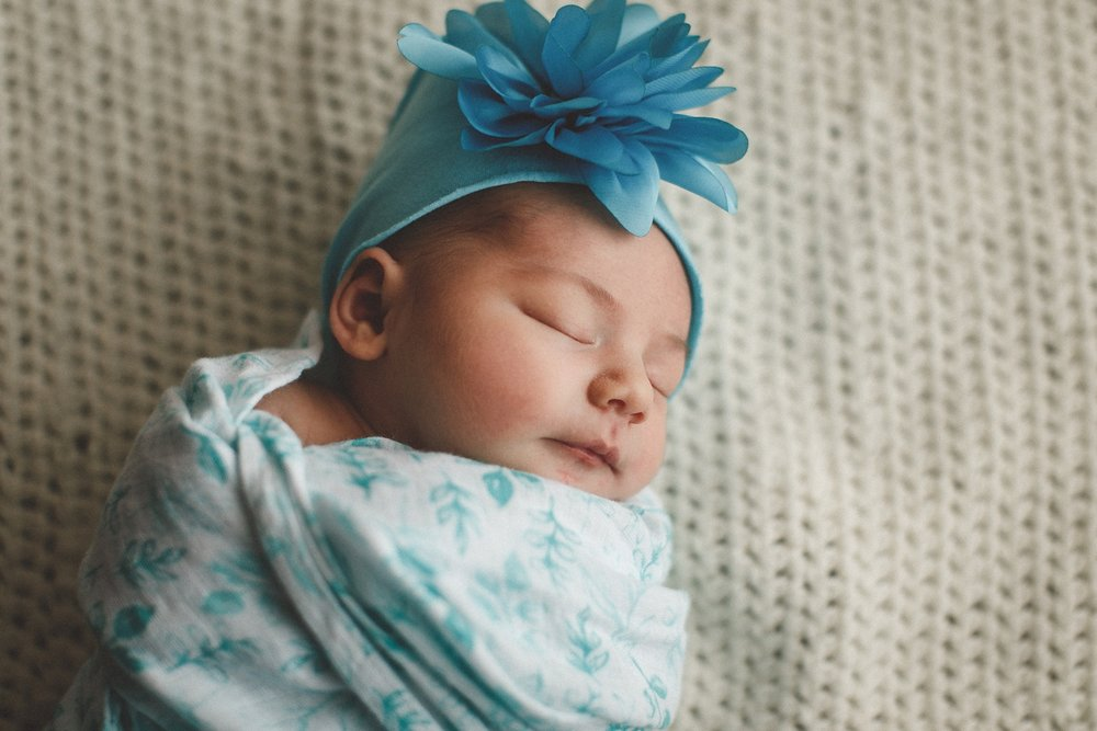 dekalb_IL_newborn_photographer_0028.jpg
