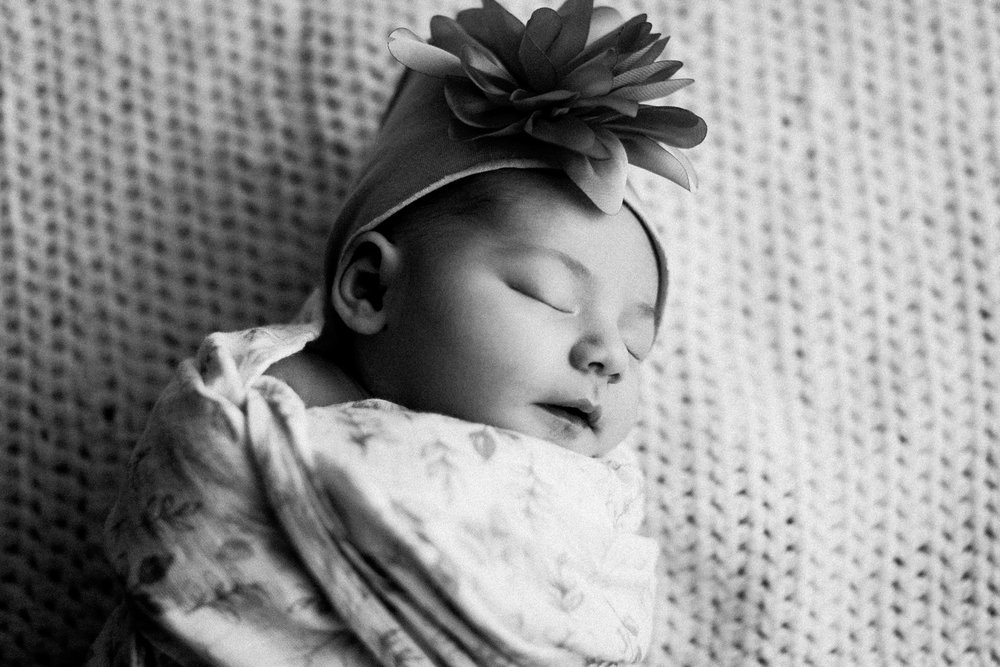 dekalb_IL_newborn_photographer_0029.jpg