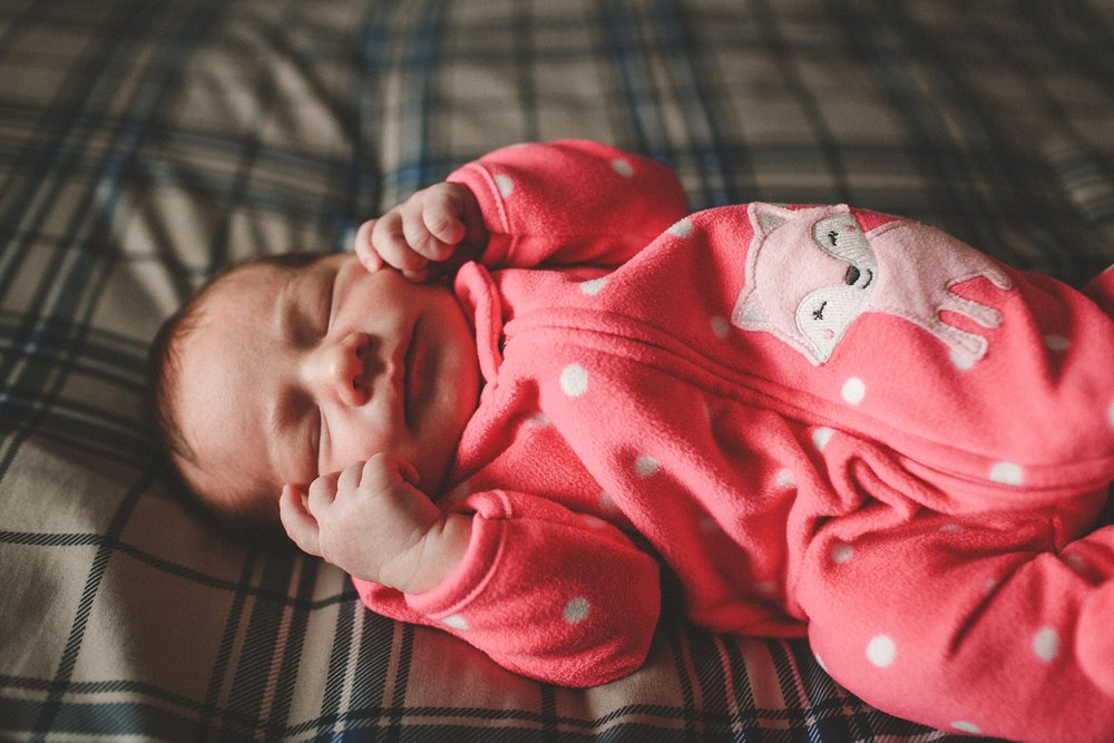 dekalb_IL_newborn_photographer_0024.jpg