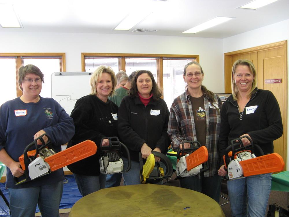 Chainsaw Ladies 2011.JPG