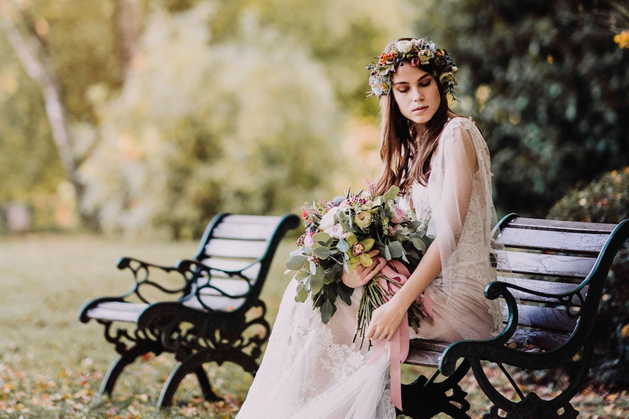 Autumn Fairytale Wedding - Photo by Giacomo Barbarossa
