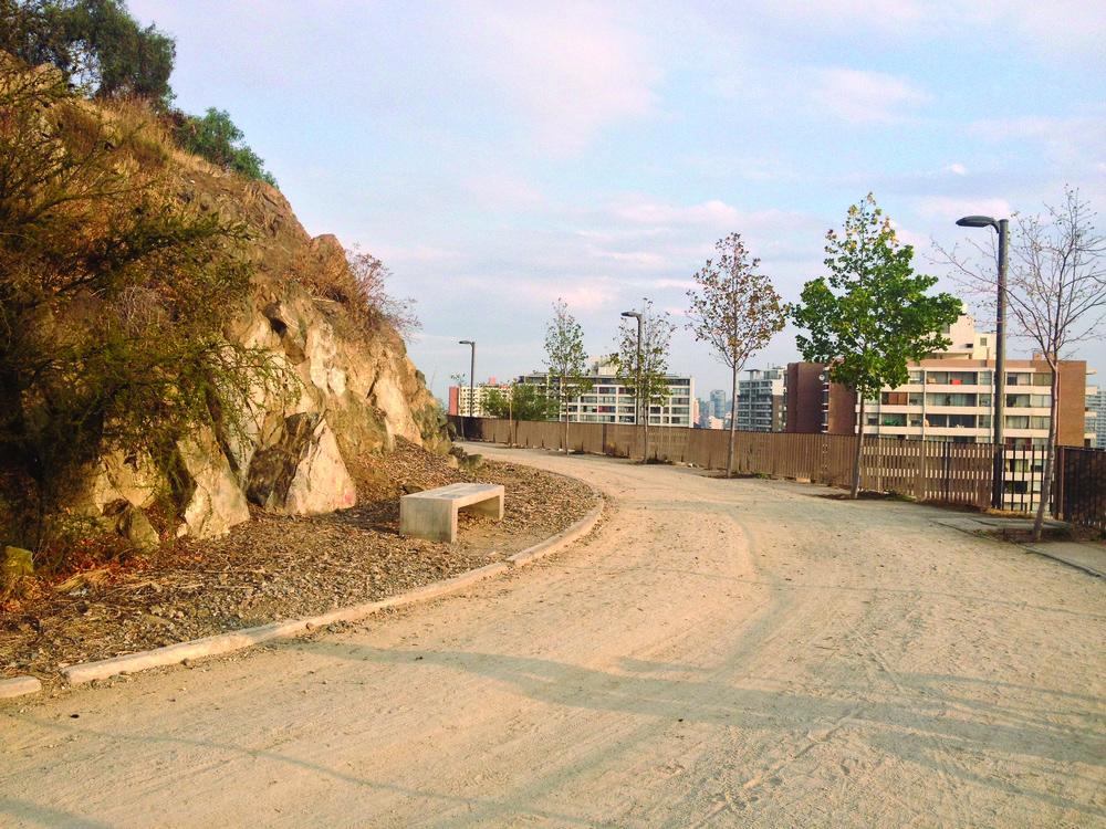 (5) Sección de 0,6 km. Sendero Rústico, Recoleta   © Francisca Salas P. para LOFscapes.