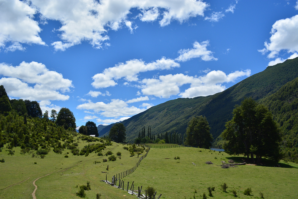 (5) Rutas de comercio y abastecimiento hacia Argentina, Valle de Cochamó © Tomás Gárate S. para LOFscapes