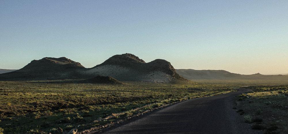 (3) Cerros en Caleta Pajonales © Bernardita, García C. para  LOFscapes.