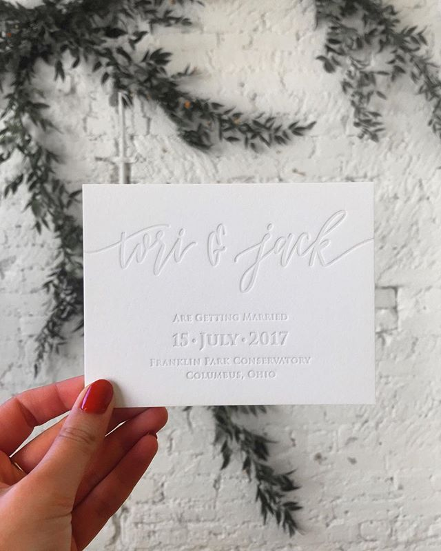 OBSESSED with these modern save the dates. Just wait until you see their wedding suite! 😍