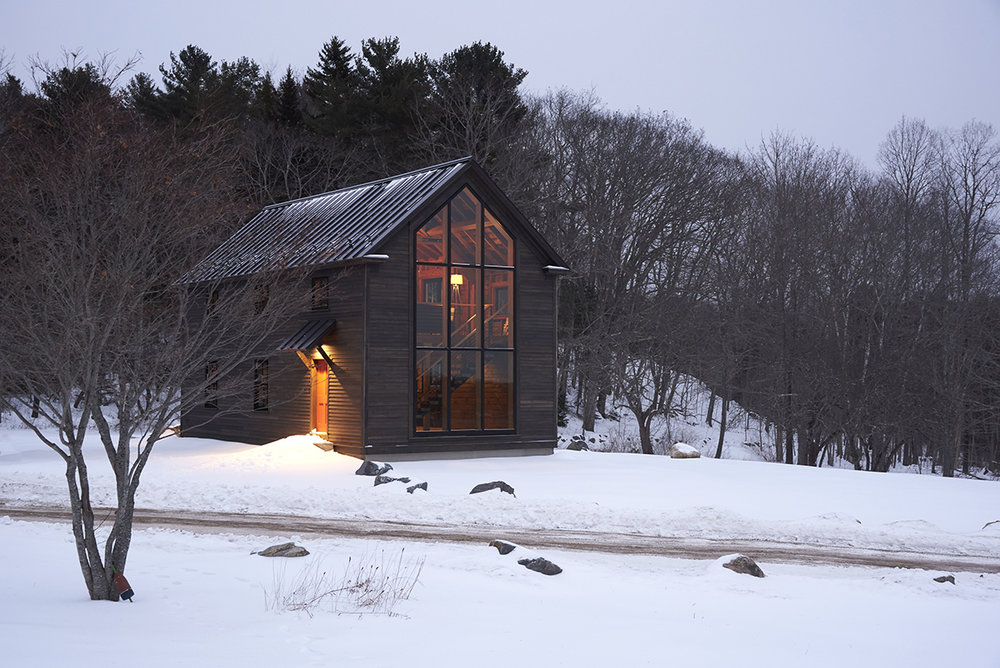 SPECIAL CITATION, ADAPTIVE REUSE / RESIDENTIAL    Stoneview Barn, Edgecomb    KNICKERBOCKER GROUP   PHOTOGRAPHED BY DARREN SETLOW
