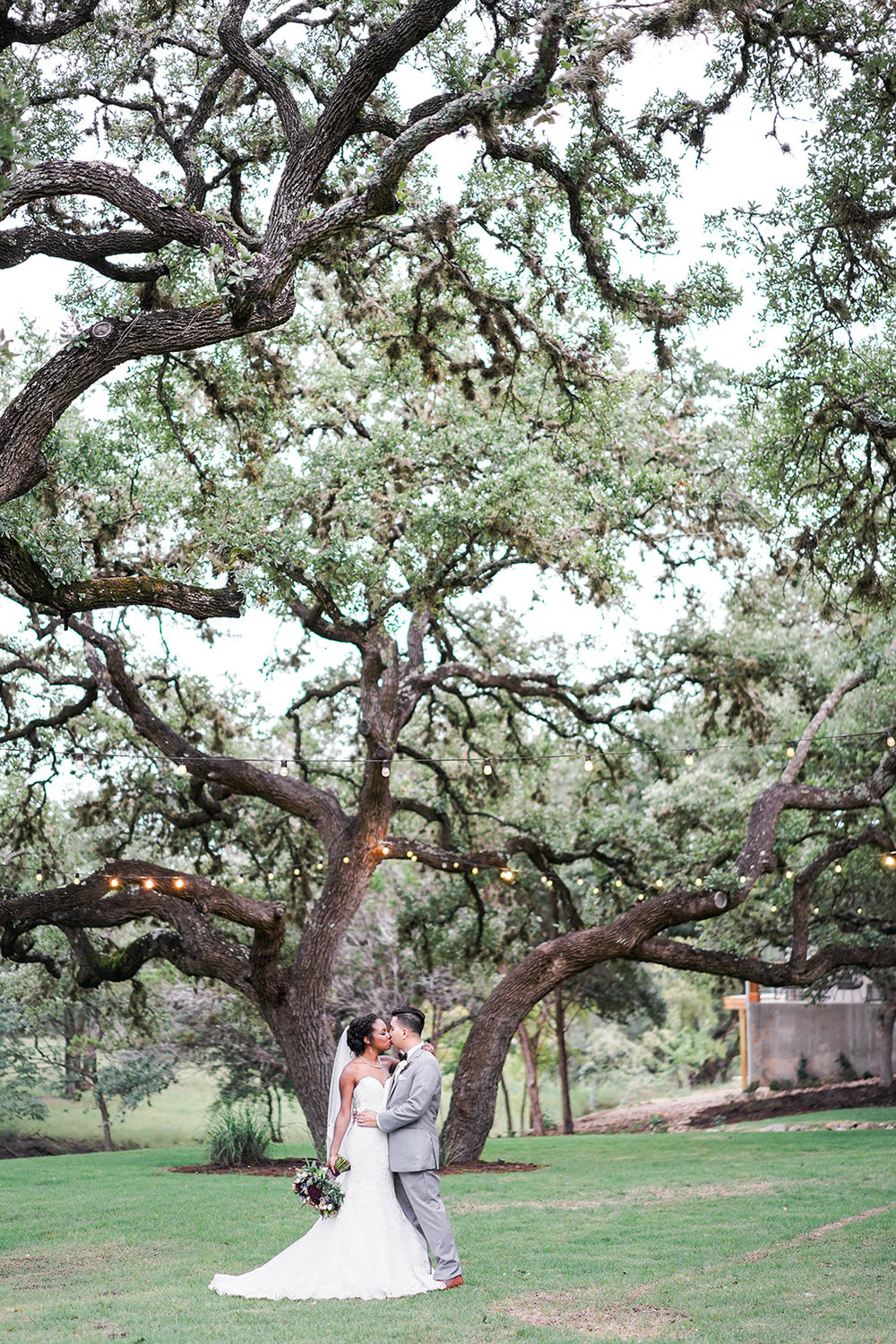 The Ivory Oak Wedding Venue in Wimberley, TX. Austin fine art wedding photographer. Ivory Oak Wedding Photos. Ivory Oak wedding photographer.