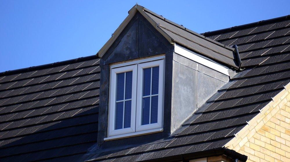 window-1800575_1920.jpg
