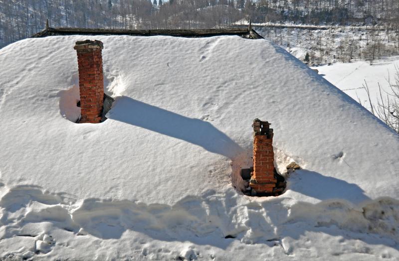 snow roof.jpg