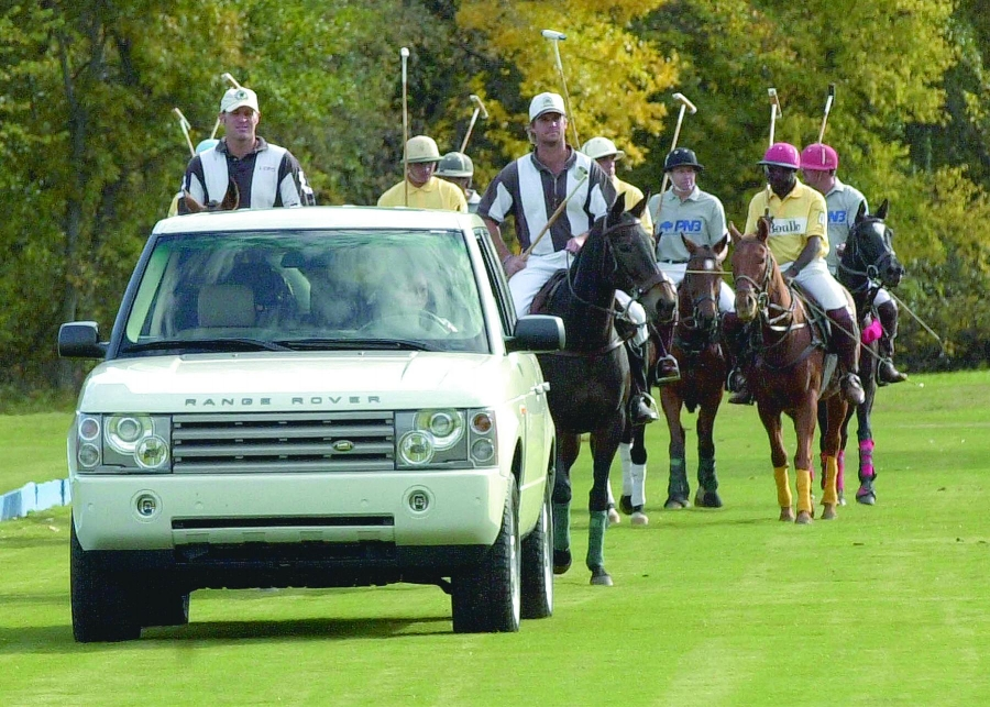 Range Rover leading polo team.jpg