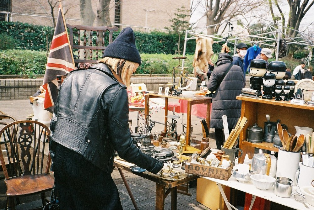 Lindsey shopping for home goods at the Yoyogi Flea