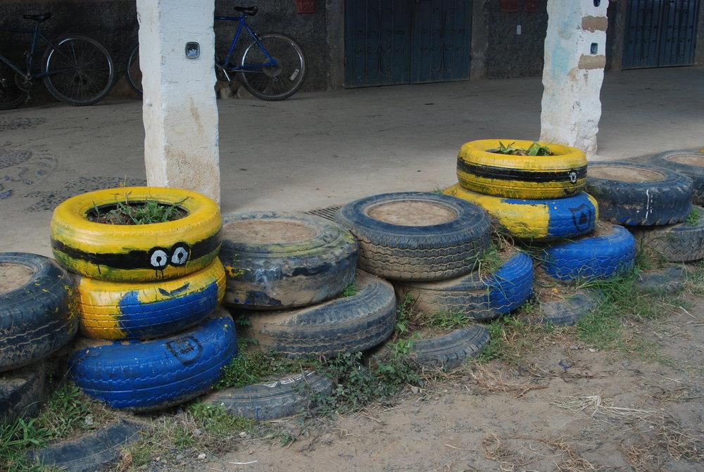Tire minions!