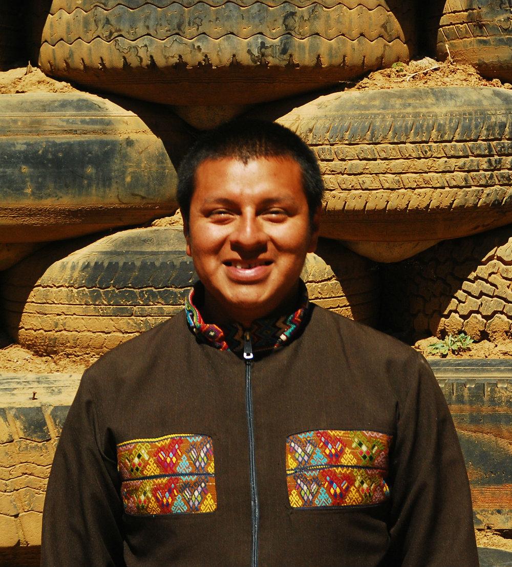 roberto, volunteer coordinator
