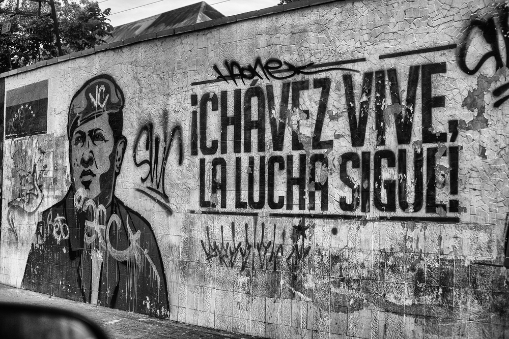 Wall with graffiti of Chavez, in the Avenida Libertador (Liberator Avenue). Caracas, 17/07/14.