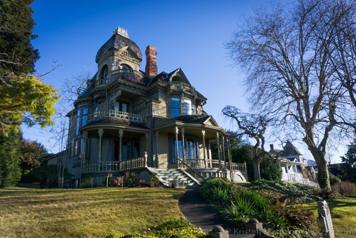 Nothing like a well-maintained, elaborate Victorian home to make hearts pop out of your eye sockets!