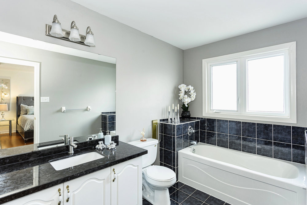 Master Bathroom1-1.jpg