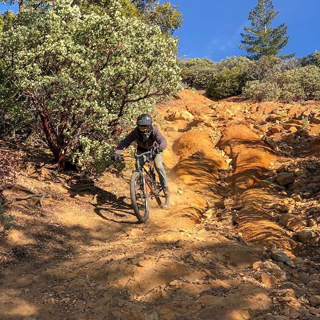 Happy New Year y'all! If you need a break from winter come and see us in Georgetown. The dirt is great, the trails fun and the folks are friendly. @californiaexpeditions @cyclepathsmtb