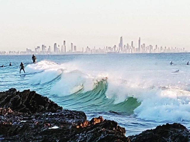 sunday surf @ the alley  #sunrisesnapper #earlymorningwalker #beachlife #lovemylife #inspiredbynature #sunday