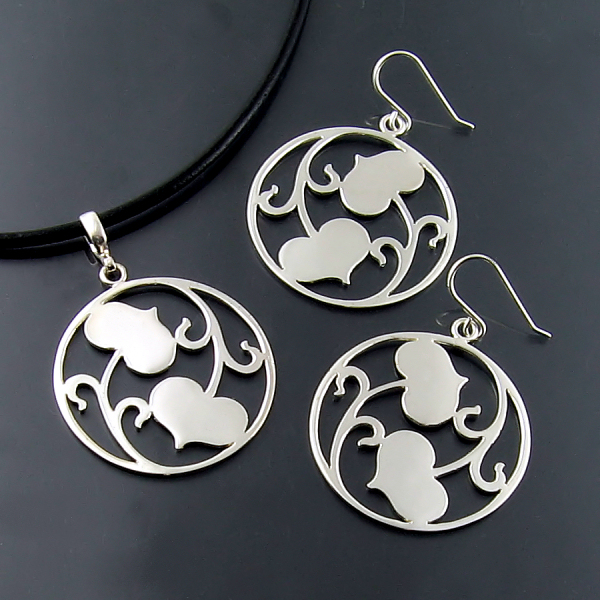 Designer and artisan jewellery in silver and gold at Hamilton Burlington jewellers Zoran Designs