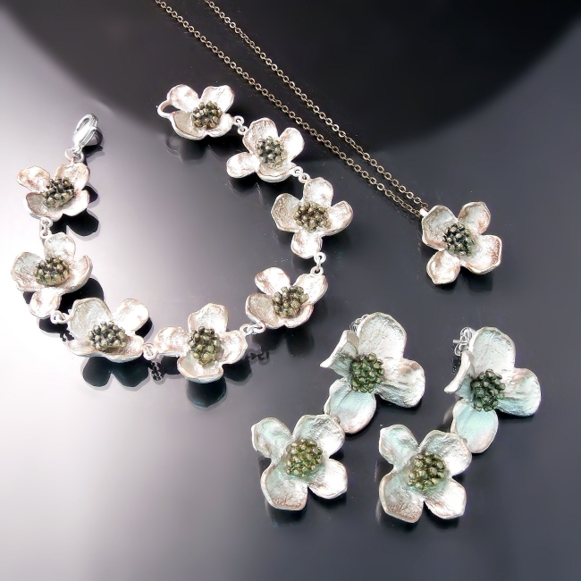 flower jewellery dogwood bracelet earrings pendant