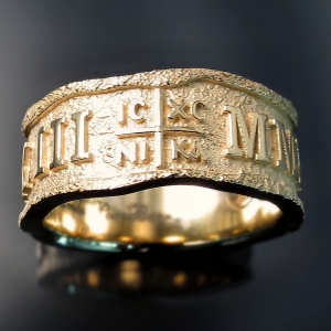 Custom wedding band: gents Greek ring