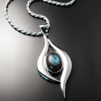 Custom jewellery: unique pendant
