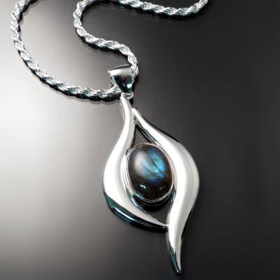 Custom jewellery: unique pendant
