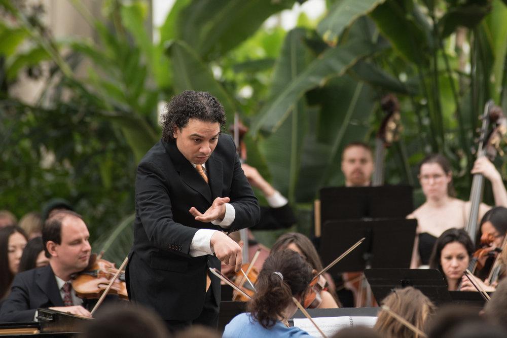 70_Oistrakh-Symphony-Thomas-Nickell-Music-Under-Glass-180414_(Photo-by-Johnny-Nevin)_400-X5_1500px.jpg