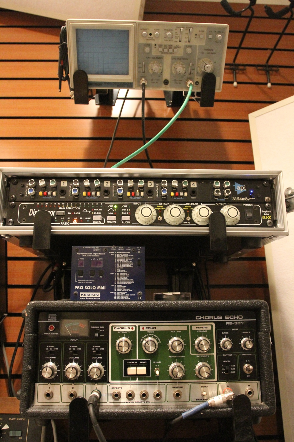 Audio fun: Space Echo, MIDI to CV, Distressor, and API Mic Preamp