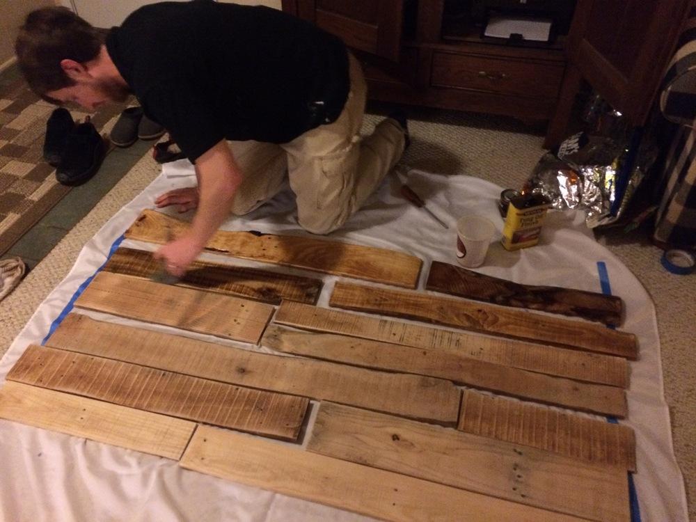 Pallet board headboard creation