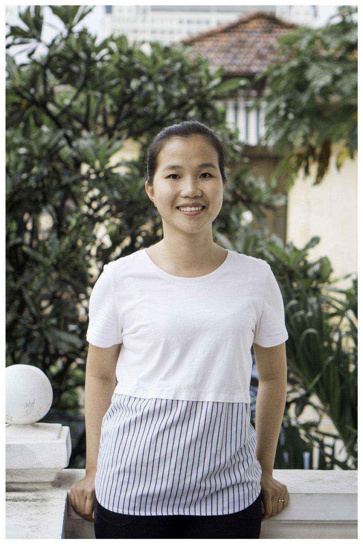 Thu Van, Accountant
