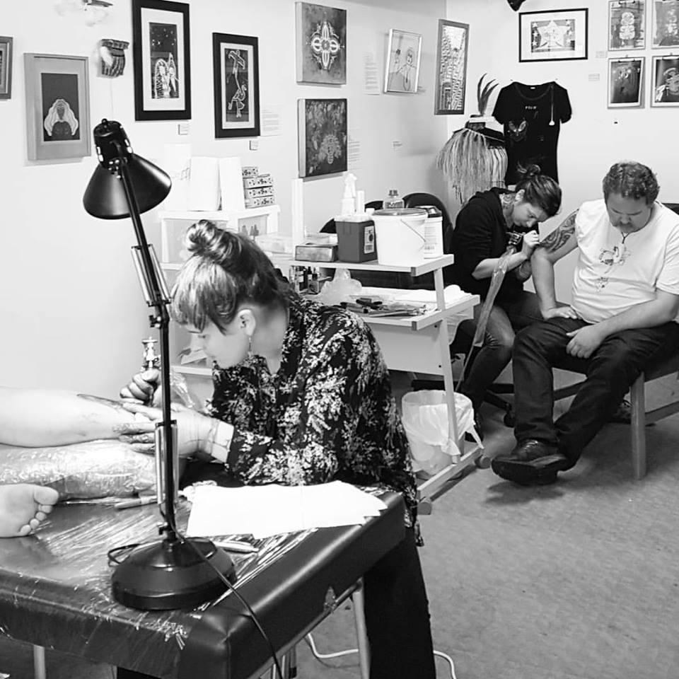 Taa moko (cultural tattoo) artists Sian Montgomery-Neutze and Taryn Beri.
