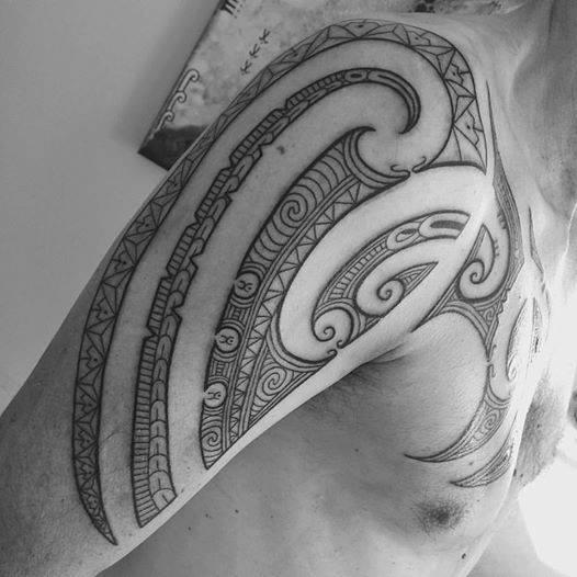 maori tattoo tatau polyneisa tahiti