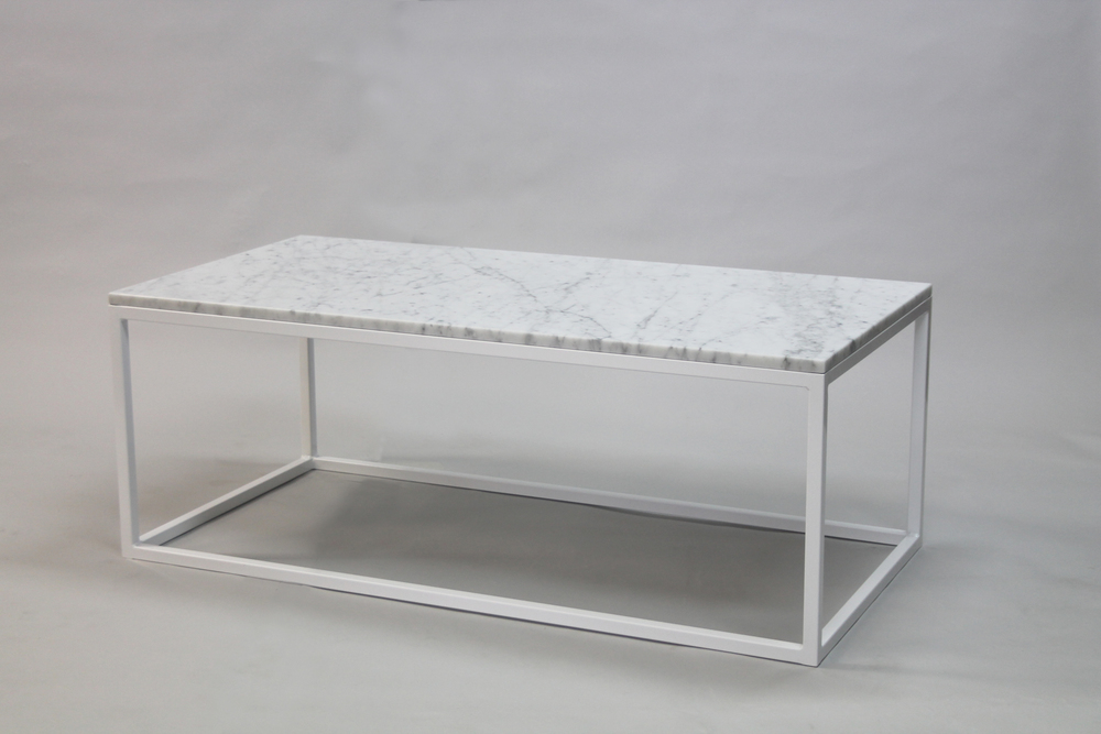 Marmorbord, vit- 120x60x45 cm, vitt underrede kub Pris 6 500:- inkl frakt