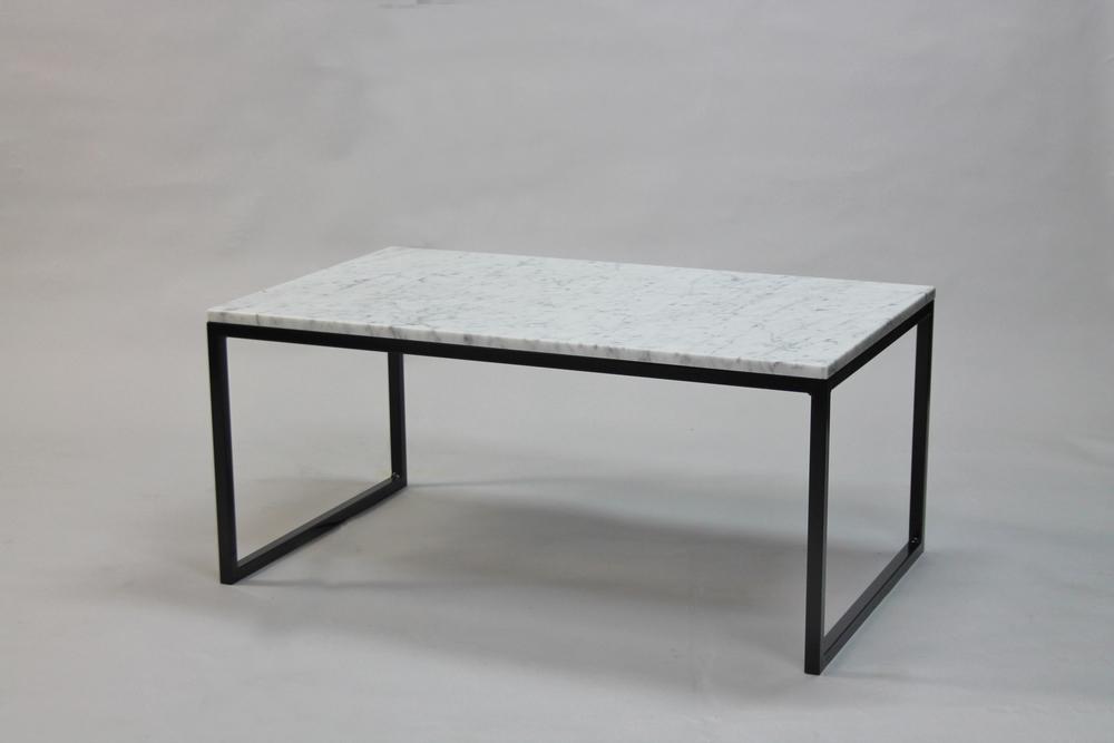 Marmorbord, vit - 100x60 x  45  cm, svart underrede halvkub   Pris    5500:- inkl frakt   Finns även i 120x60 cm -   Pris  6 500 :-  inkl frakt
