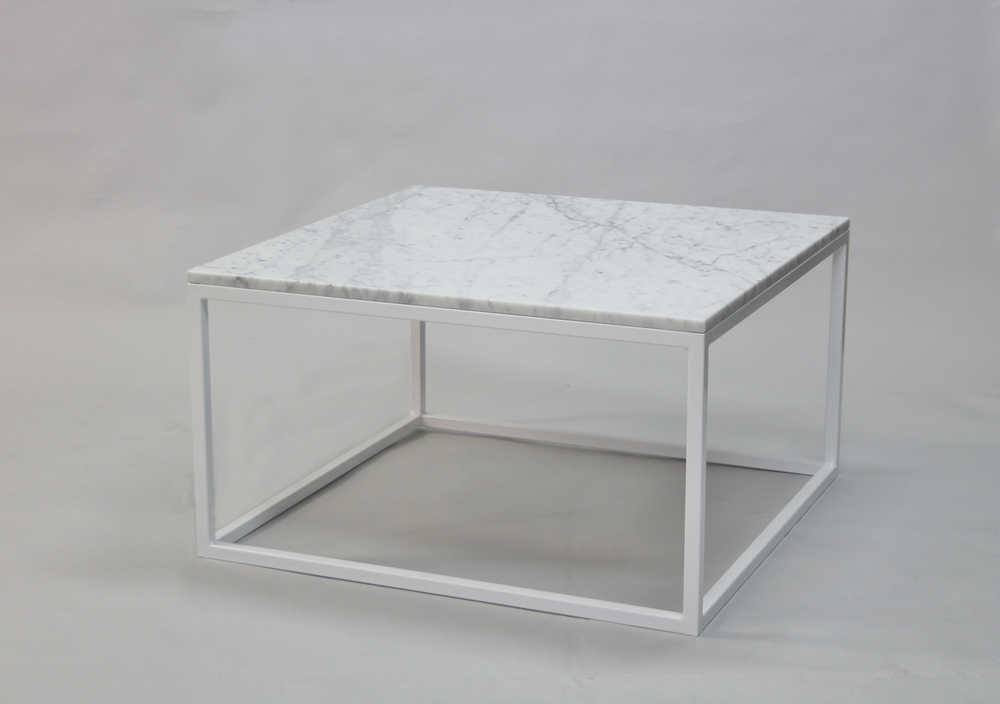 Marmorbord, vit -80x80 x  45 cm, vitt underrede kub  Pris 5 500 :-  inkl frakt