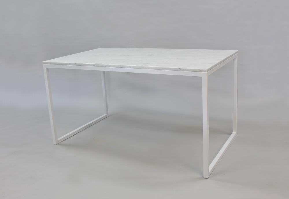 Marmordbord, vit- 140x80x74 vitt underrede kub Pris 10 000:- inkl frakt Finns även i120x80x74 - pris 9 000:- inkl frakt