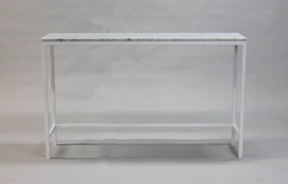 Marmordbord, vit  - 120x30x74 cm, vitt underrede  Pris 6 000 :-  inkl frakt   Finns även i 140x40x74 cm -    Pris 7000:- inkl frakt