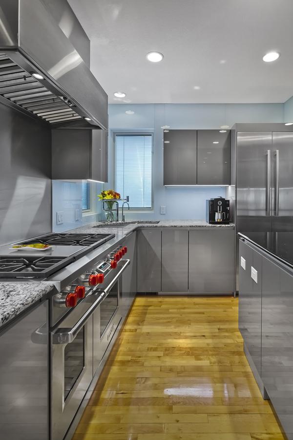 2Roush Kitchen.jpg